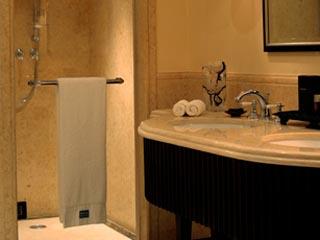 The Westin Dubai Mina Seyahi Beach Resort & Marina: Standard Guest Room Bathroom