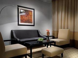 Holiday Inn Dubai - Al Barsha: Living Room