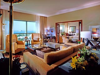 Sheraton Khalidiya Hotel: Suite