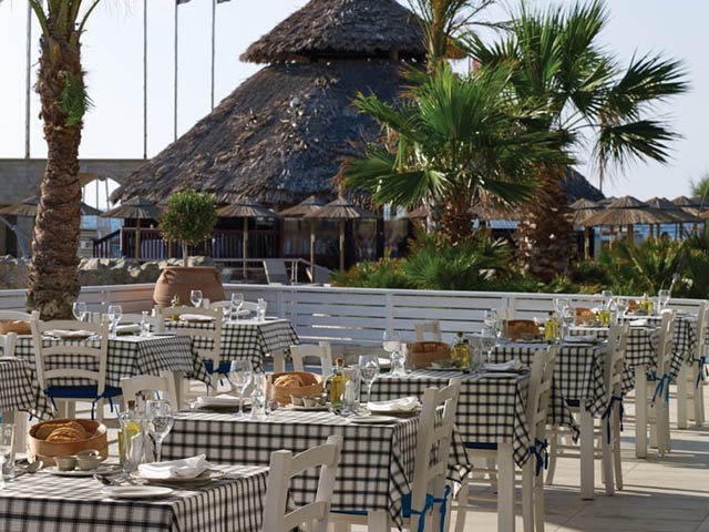 Atlantica Sensatori Resort (Ex Atlantica Caldera Palace): Entrance