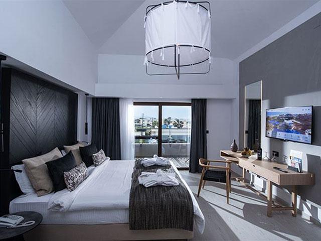 Atlantica Sensatori Resort (Ex Atlantica Caldera Palace):