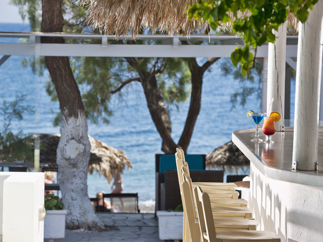 Alesahne Beach Hotel: Beach Bar