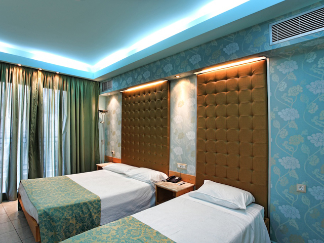 Kastro Hotel:
