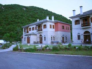 Dovra Hotel: Exterior View