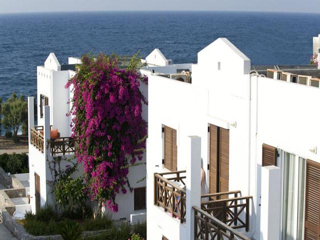 Maritimo Beach Hotel -