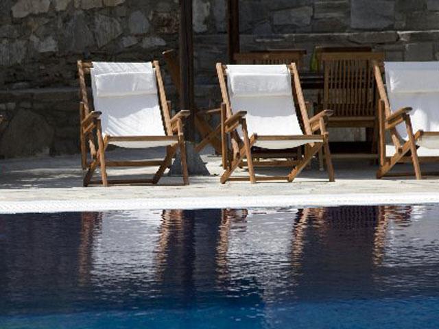 Paros Eden Park Hotel: Sunbeds