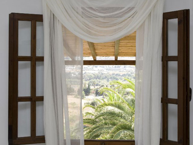 Paros Eden Park Hotel: Bedroom Window