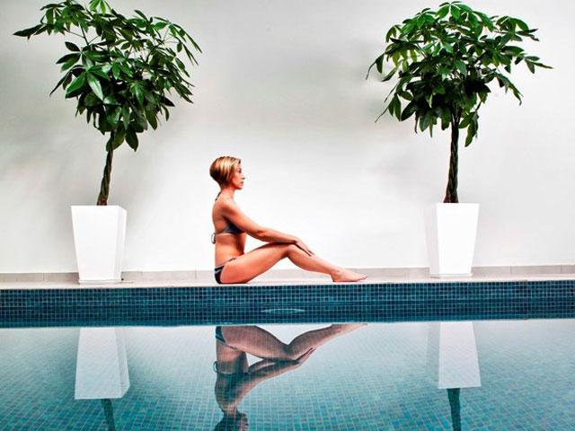 Astro Palace Hotel & Suites Santorini: Interior pool