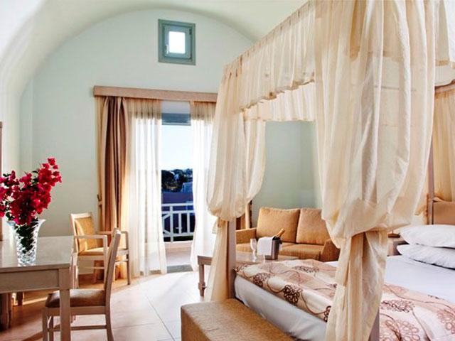 Astro Palace Hotel & Suites Santorini: Room