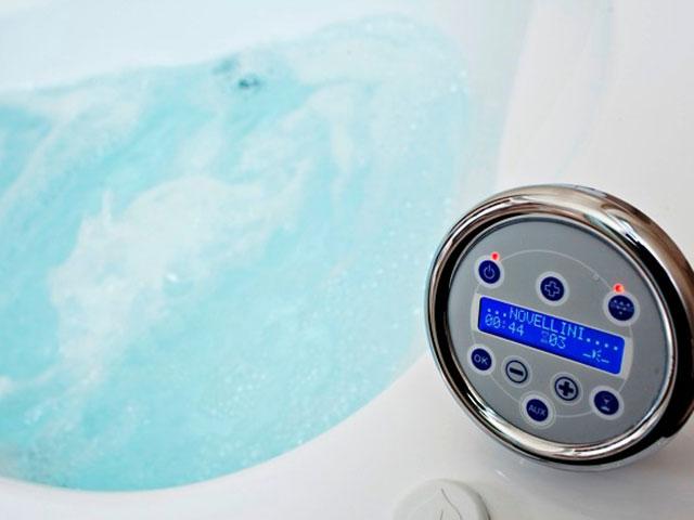 Astro Palace Hotel & Suites Santorini: Bathroom