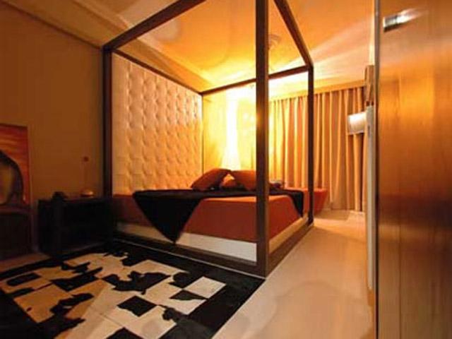 Plaza Art Hotel - Room