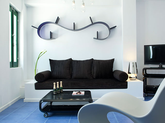 Avant Garde Suites: Living Room