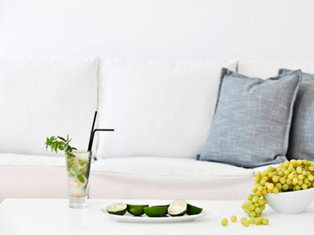 Thermes Luxury Villas: Sofa
