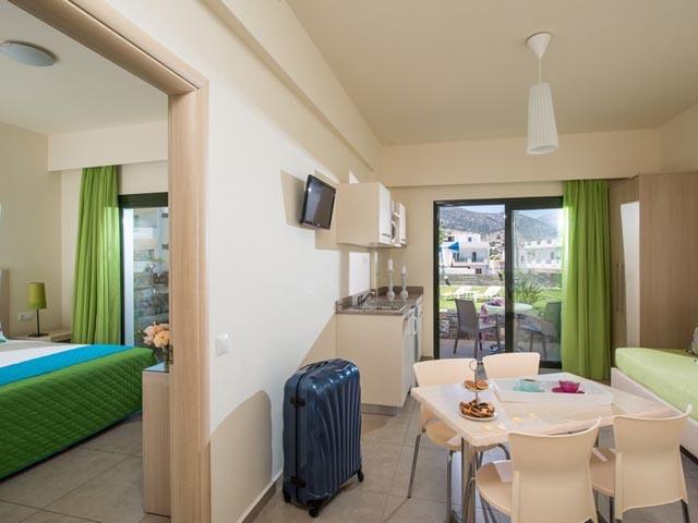 Kristalli Apartments: