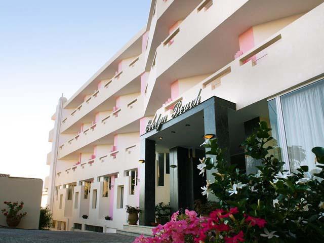 Evelyn Beach Hotel: