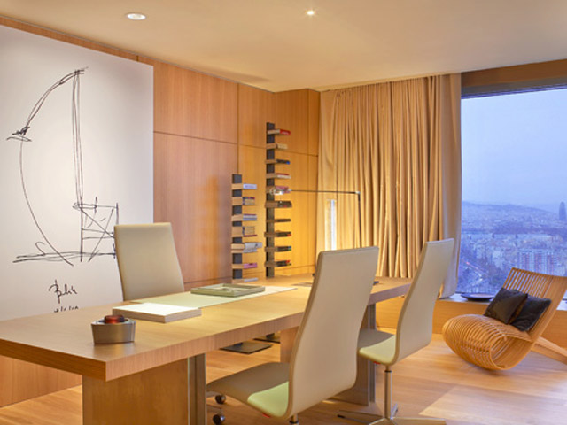 W Barcelona: Extreme Wow Suite- Work Desk