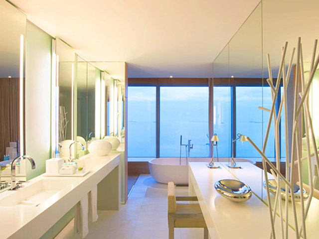 W Barcelona: Extreme Wow Suite- Bathroom