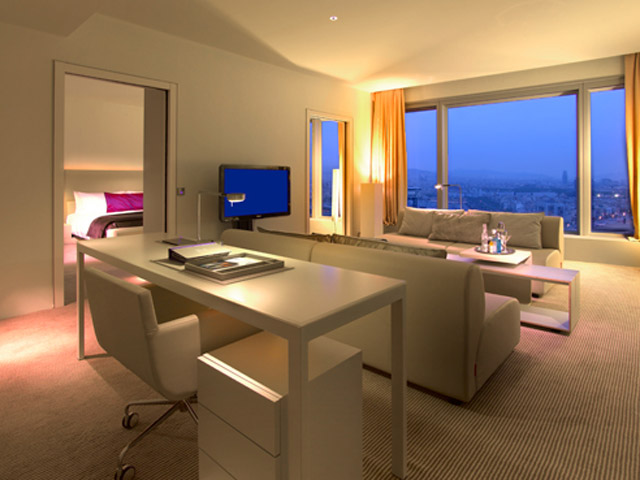 W Barcelona: Studio Suite- Living Room