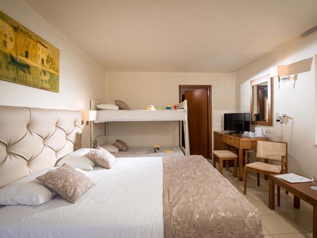 Bella Beach Hotel: