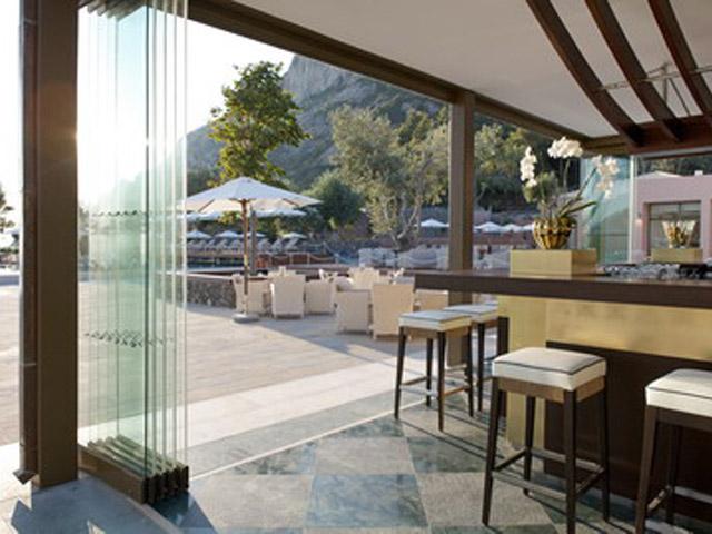 Atlantica Grand Mediterraneo Resort & Spa: Pool Bar