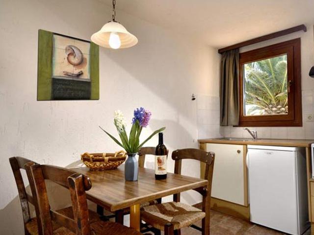 Ida Village Apartments: