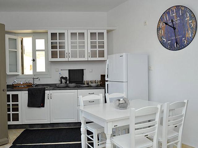 Stagones Luxury Villas: Kitchen area