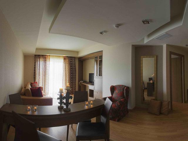 Elpida Resort & Spa: Living Room