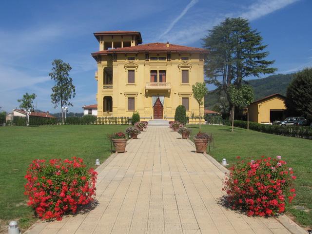 Villa Moorings: Exterior view