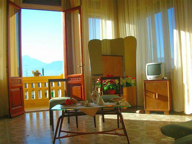 Villa Moorings: Living room