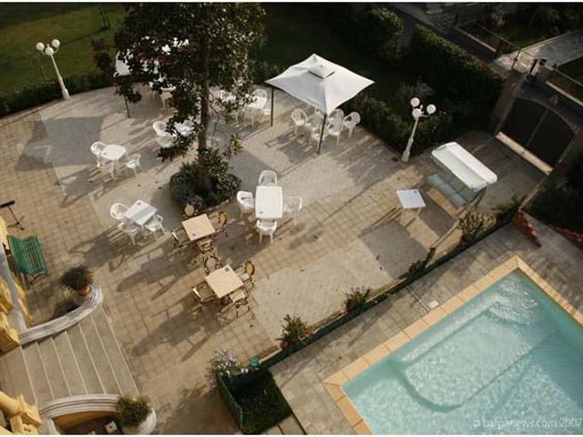 Villa Moorings: Pool Area
