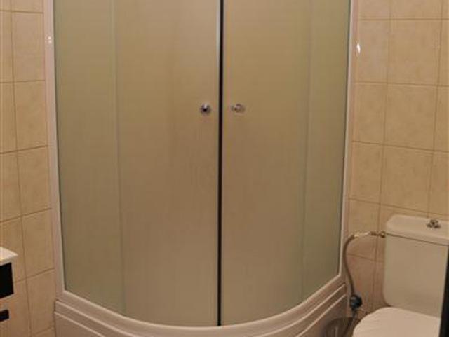 Luxury Suites: Junior Suite Bathroom