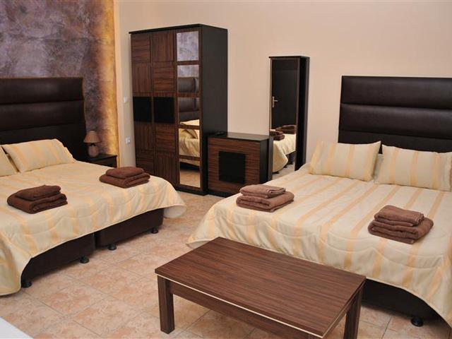 Luxury Suites: Executive Suite