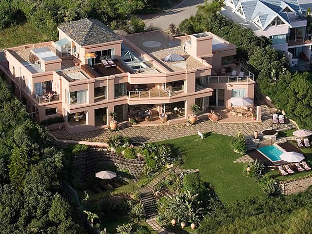 Xanadu Guest Villa: Exterior View