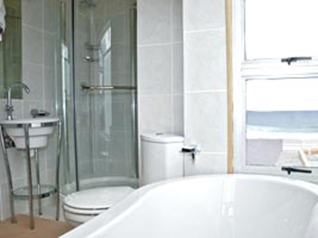 Xanadu Guest Villa: Neptune Suite Bathroom