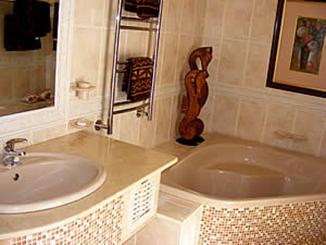 Xanadu Guest Villa: Seahorse Suite Bathroom