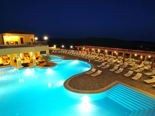 Varos Village Hotel : Pool Area