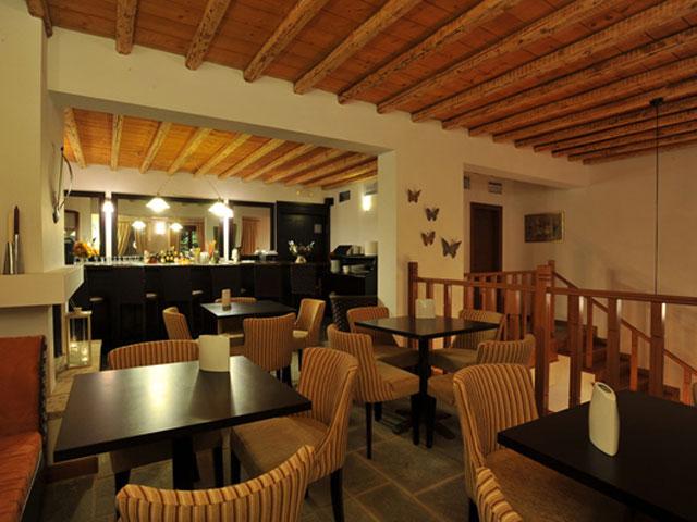 Varos Village Hotel : Bar