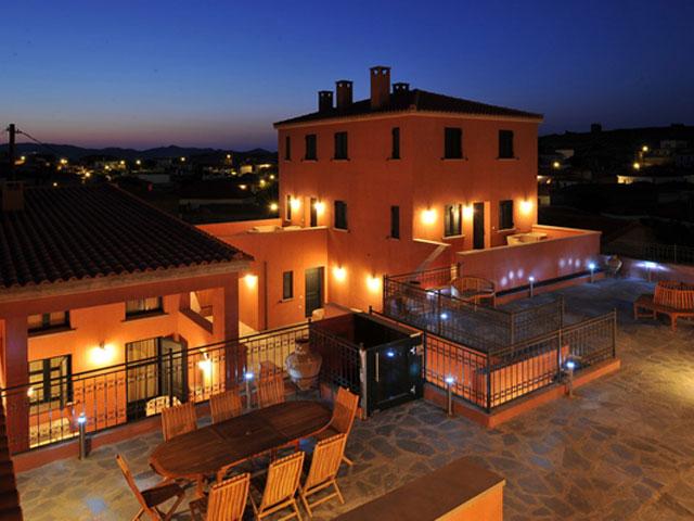 Varos Village Hotel : Exterior View