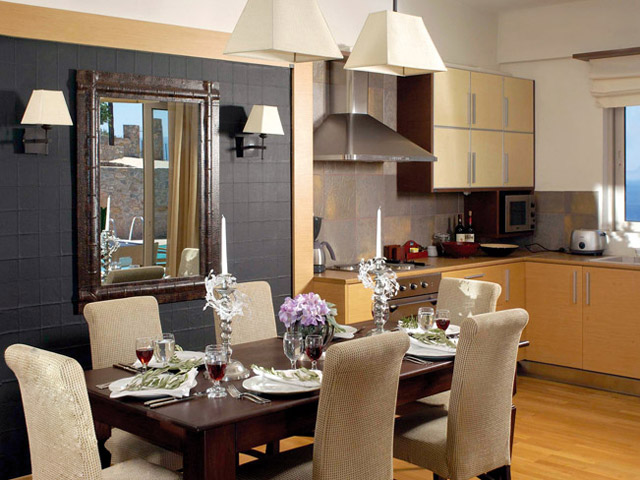 Pleiades Luxurious Villas: Dining Area