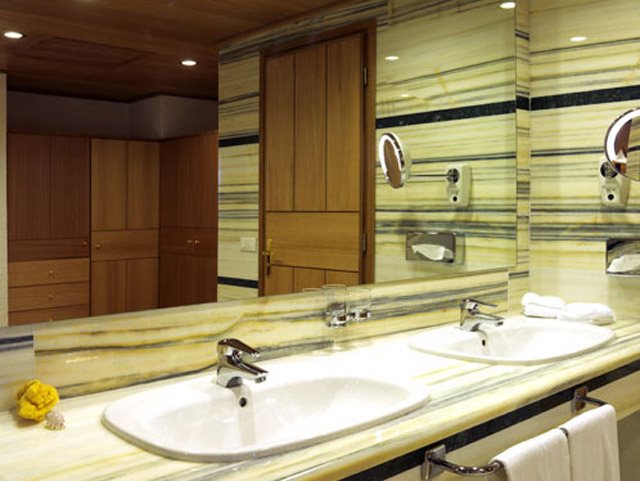 Porto Elounda Golf and SPA Resort: Presidential Suite Bathroom