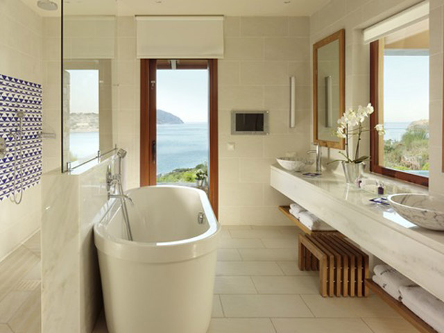 Blue Palace Resort & Spa: Island Luxutry Suites Sea View Private Heated Pool-Bathroom