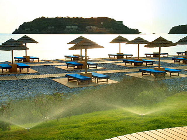 Blue Palace Resort & Spa: Private Beach
