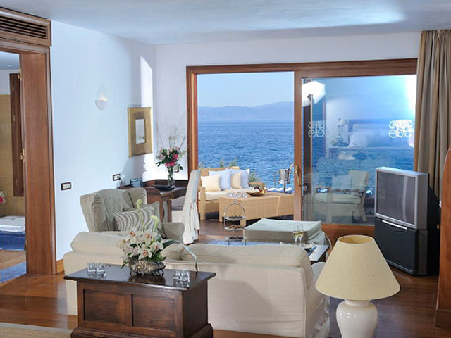 Elounda Beach - Premium & Sports - Club Living Room