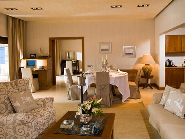 Elounda Beach Exclusive  & Platinum Club: Elounda Beach Exclusive Club  Grand Suites Dining & Living Room