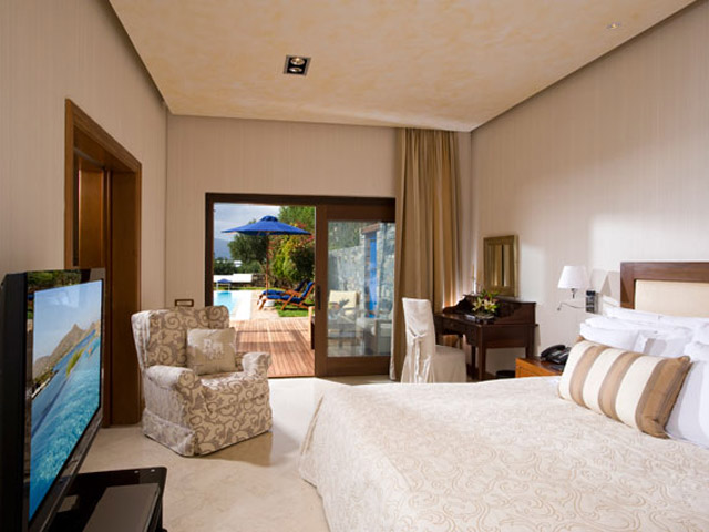 Elounda Beach Exclusive  & Platinum Club: Elounda Beach Exclusive Club  Grand Suites Bedroom