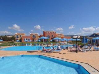 Ilatia Village - Swimming Pool