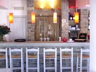 Kanales Suites - Studios & Rooms: Bar