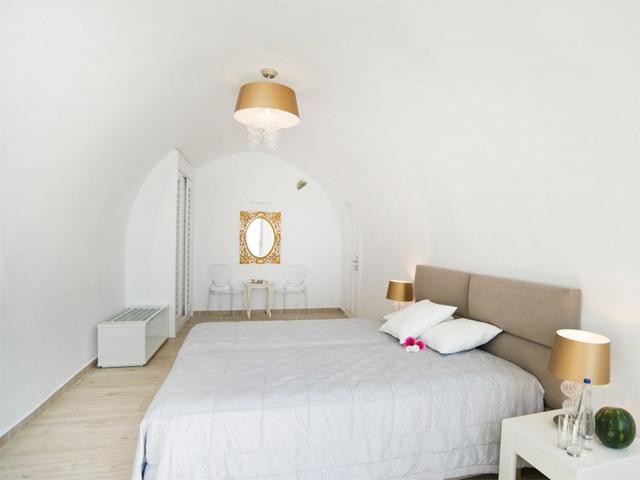 Celestia Grand (ex Volcano View VIP Villas):