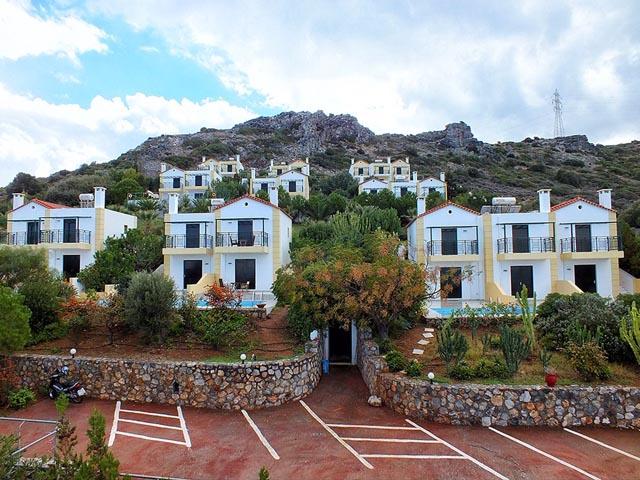 Golden Villas: