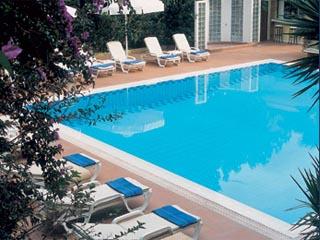 Blazer Suites - Swimming Pool